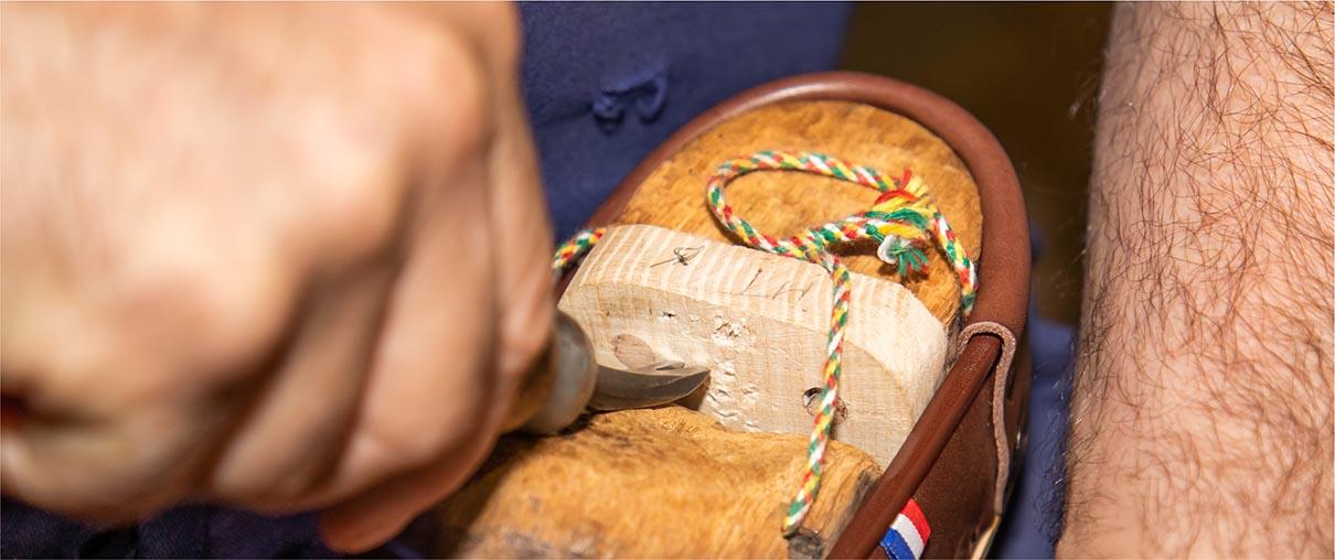 Fabrication de la galoche : la naissance