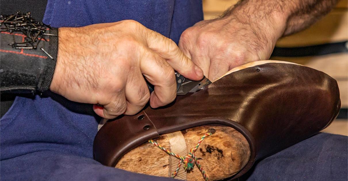 fabrication de la galoche : Détourage sur la Galoche